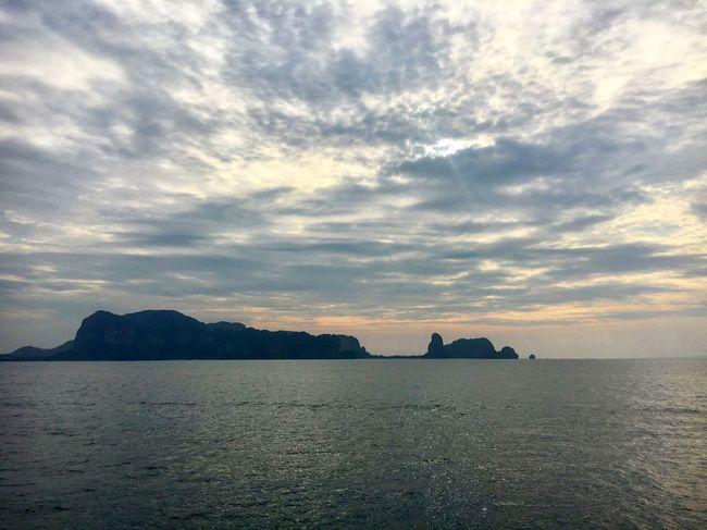 SunRISE Sea Tranquil Scene Sunrise Sunrise_sunsets_aroundworld Thailand Krabi Thailand Sunrise_Collection Islands Travel Travel Photography Tranquility Beauty In Nature Seascape Colour Diving Padi No People Tranquility Horizon Over Water Nature
