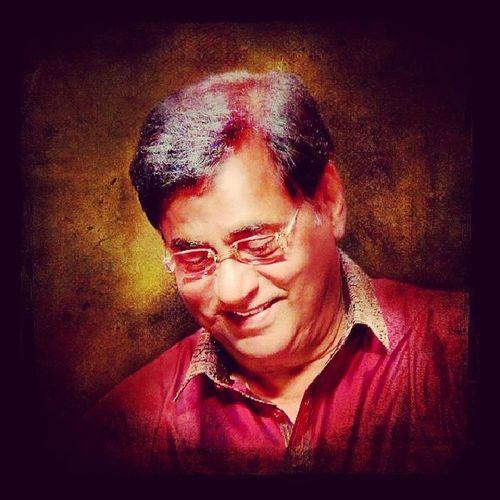SaluteTheLegend on 73th Birth Anniversary JagjitSingh (GhazalKing ) was the versatile & briiliant GhazalSinger .