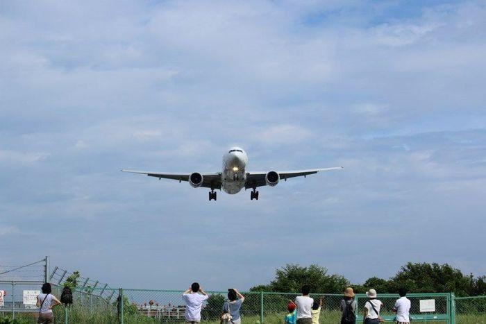 みんなが見上げる空♡ 伊丹空港 千里川 Plain Airport 同じ空の下 で 繋がる想い 今日も 一緒に楽しみたい ✨💛