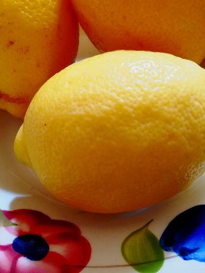 Frische Zitronen #zitrone #lemon #Cool #gelb #yellow #vitamine #C Fruit Citrus Fruit Close-up Sweet Food Food And Drink
