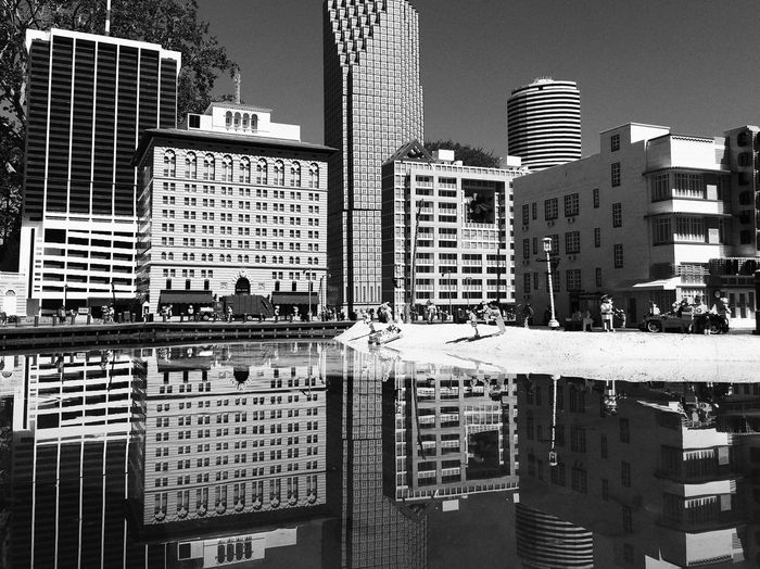 IPSCity IPhoneography Snapseed City skyline and reflections at Legoland