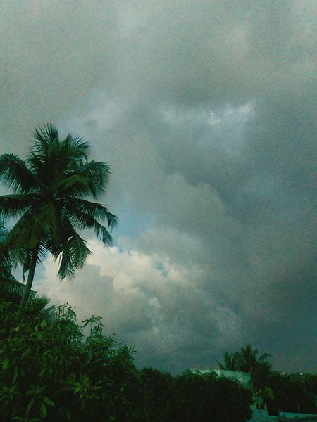 Rainy clouds...chill weather.. Enjoying Life Relaxing Hello World