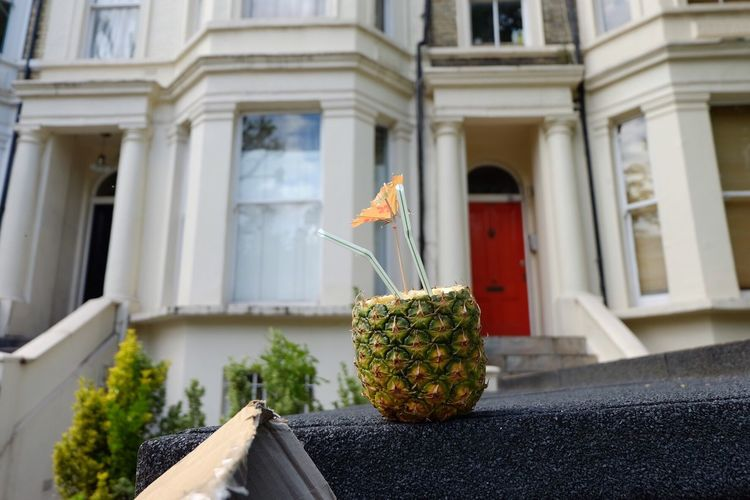 London, Notting Hill London Pineapple EyeEm Selects TheWeekOnEyeEM The Week On EyeEm Travel Photography Traveling Built Structure Building Exterior Architecture Focus On Foreground Close-up Low Angle View