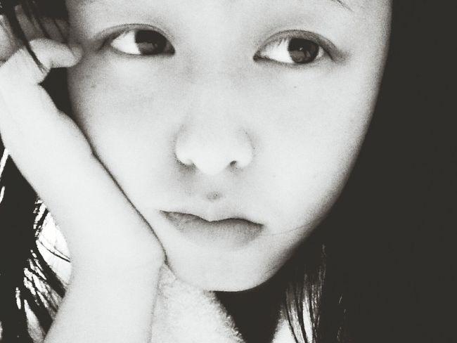 Chinese time. 回來台灣,發現太多不一樣和已改變的事物,有時候很迷惘因為不知道如何起頭,謝謝身邊陪伴我的每個人,我很珍惜這段緣分。 Taiwanese Blackandwhite Sincerely  Speak