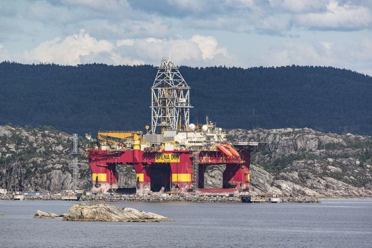 Oil rig in