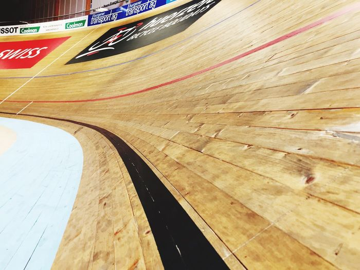Wood - Material Nice Sport Hardwood Floor Sports Venue Indoors  Stadium Competition Sports Track No People Running Track Competitive Sport Day Court Velo Velodroom Velodrom Velodrome Bike Court Curve Switzerland Wood Focus On Foreground Indoors