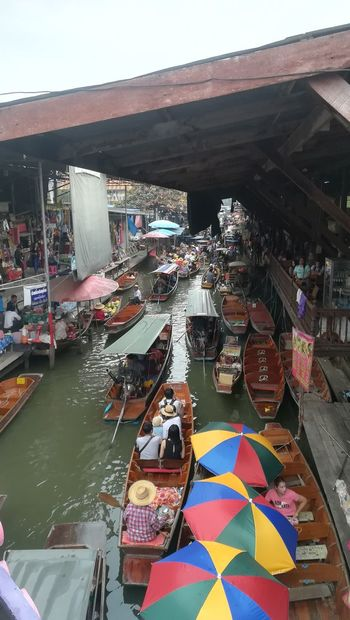 you wanna buy something in the floating market?😊 Water Travel Photography Thailand Shopping Time Floating On Water Market Day City Large Group Of Objects Nautical Vessel Retail  Multi Colored