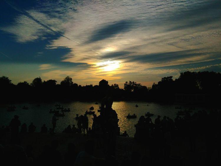 Retiro (Madrid) Espana-Spain Lago Nitgh & Day Free Time Aoi