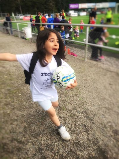 My Daughter ♥ Proud of My Daughter Soccer Playing Sport Soccer Ball One Person Soccer Player Real People Childhood Leisure Activity Playing Field Soccer Field Competition Girls Team Sport Day Lifestyles Outdoors Grass Soccer Uniform Sports Team