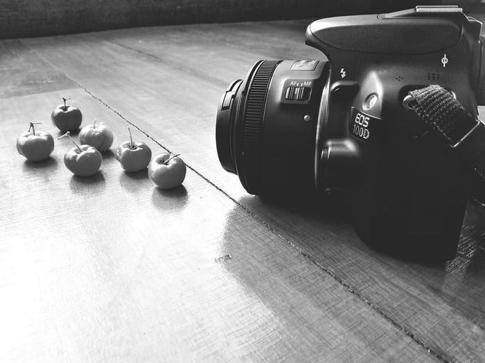 Textured  Camera Digital Camera Single Lens Camera Black & White Photographic Equipment Digital Single-lens Reflex Camera Lens - Optical Instrument Lens - Eye Photographer Camera - Photographic Equipment SLR Camera Photography Themes