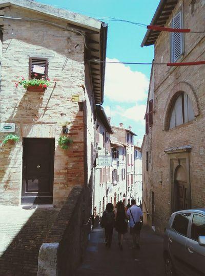 Italy Beautiful Day Urbino Streetphotography Architectureporn Igersitalia