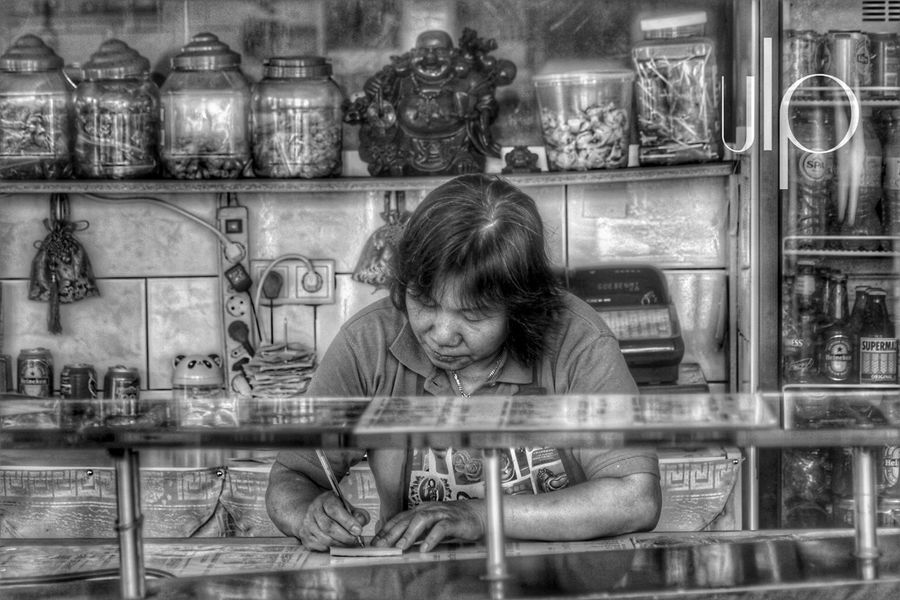 Taking a food order Streetphotography Canonphotography Outdoor Photography Street Photography Black And White Usmalawaphotography Foodporn Asian  Streetlife Asianfoodporn Blackandwhite Photography Outside Photography Real People Outdoor