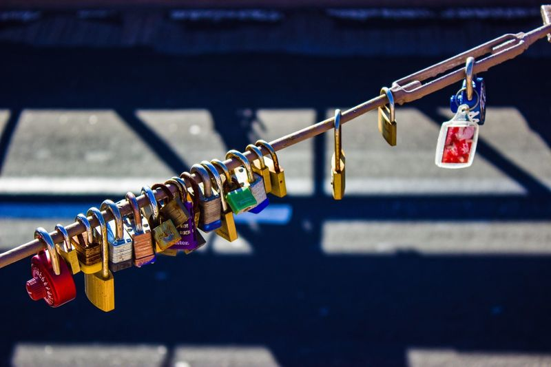 Lock New York City New York Brooklyn Brooklyn Bridge / New York Padlock Lock Focus On Foreground Safety Love Lock Hanging Security Metal Positive Emotion Cable Love Connection Protection #NotYourCliche Love Letter