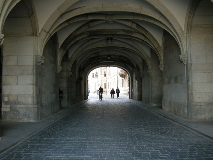 Street covered with arches of a building