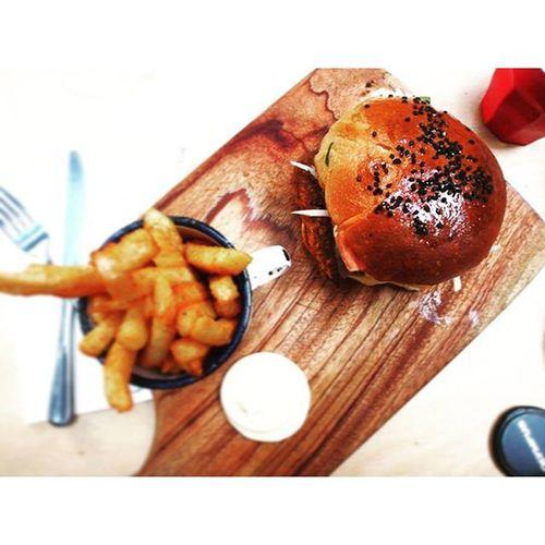 Olympus OM-D E-M5 Foodporn Sydney Burgers