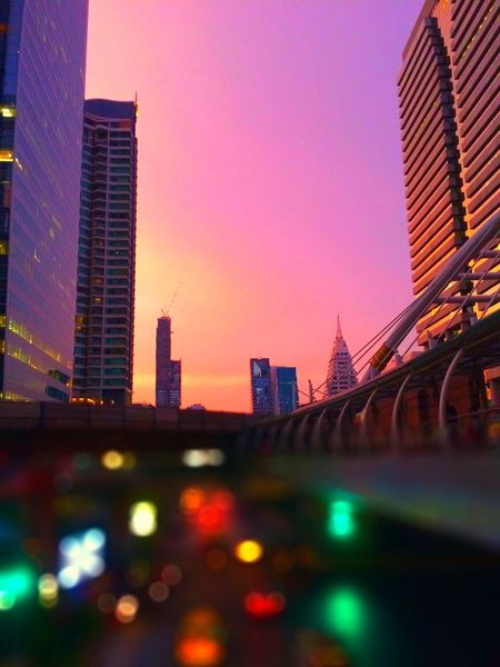 🌃City lights🌃 Going The Distance Learn & Shoot: Leading Lines I Love My City Life In Motion Night View Night Lights Architecture People Watching GetYourGuide Cityscapes Urban Lifestyle Tadaa Community Windows Cityscapes Colors Light Sunset Travel Landscape City Bangkok Silhouette Pastel Cities At Night Spotted In Thailand The Architect - 2016 EyeEm Awards EyeEm X Huawei - Cities At Night