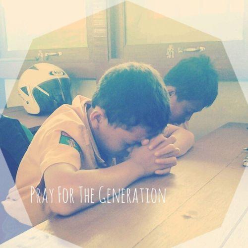 Pray for the generation.., yesterday when Gen-T Goes To school, so honored serve this generation.. to God be The Glory..!! GenTyouth Gentgoestoschool Gbipeacecenter Smpnparindu bodok parindu pusatdamai