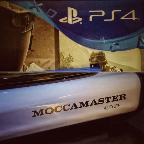 What a great xmas, thanx to my wife now we have moccamaster and Ps4 😄😄❤️❤️ ©️JaniVauhkonenPhoneography GamerLife JaniVauhkonenPhoneography LG G4 PS4 Moccamaster Xmas