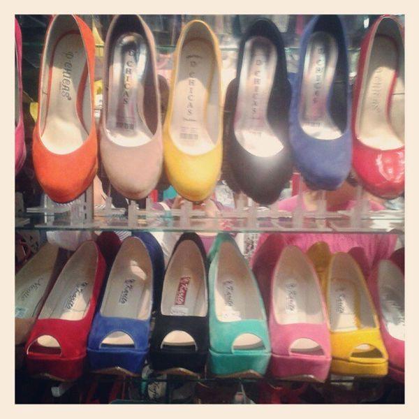 y ahora toca ver los zapatos para mañana... cual? Shopping Zapatos