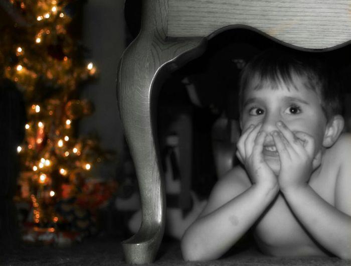 Magic Of Christmas Visions Of Christmas Christmas Tree Childhood Portrait Innocence Jesus Godsartwork Happigramma Iseeinpictures Thesmallestlittlethings Eyeem This Week EyeEm Best Shots Eyeem Children