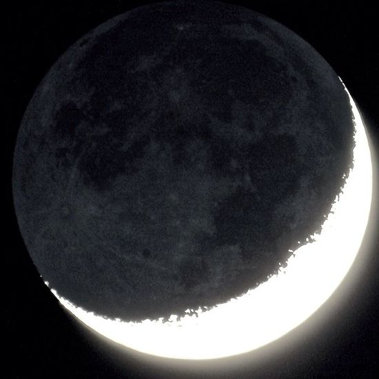 Tonight's waxing crescent moon with Earthshine Moon Moon_of_the_day Astronomy Astrophotography Sky Earthshine Lunar