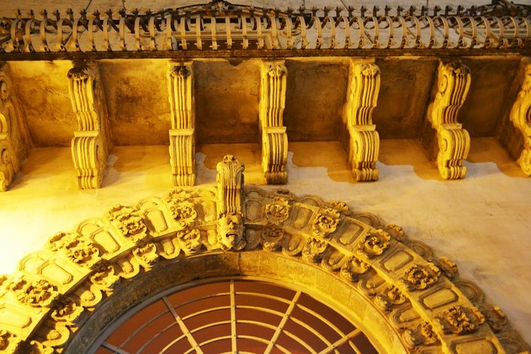 Ancient Ancient Civilization Antiquities Architectural Column Architectural Feature Architecture Architetturaitaliana Art Art And Craft Barocco Architecture Built Structure Carving Creativity Design Façade Famous Place Gold Colored Historic History Indoors  Metal Old-fashioned Ornate The Past Yellow