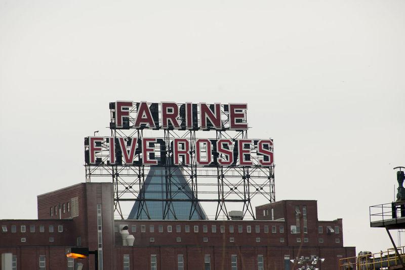 'Farine Five Roses' City Logo Montréal Canada Farine Five Roses