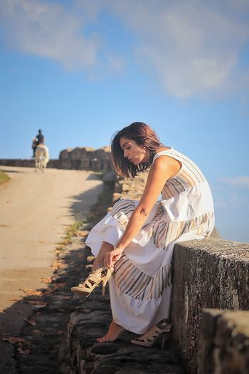 Modelo@ohi_la_la One Person Fashion Adult Women Nature Sitting Hair Hairstyle Young Adult Land Beauty Clothing Dress Young Women Day Sky Long Hair Beach Outdoors Contemplation This Is Natural Beauty EyeEmNewHere Capture Tomorrow