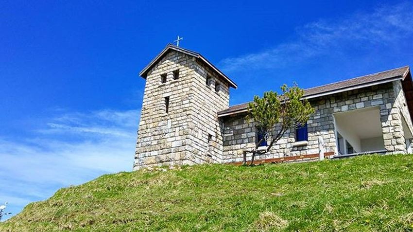 리키쿨룸으로 부터 가벼운 하이킹 시작 그 길에 처음 만나는 교회... 응? 이 높은 곳에 교회가.. 루체른 리기쿨룸 리기산 스위스 하이킹 여행 Rigi Rigikulm Swiss Switzerland Hiking Tour Lucerne Luzern