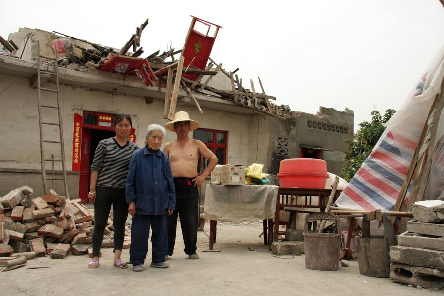 2008 2008 Sichuan Earthquake China Devastation Earthquake Homeless Mianyang Natural Disaster Sad Sadness Sichuan Tragedy Wenchuan People And Places