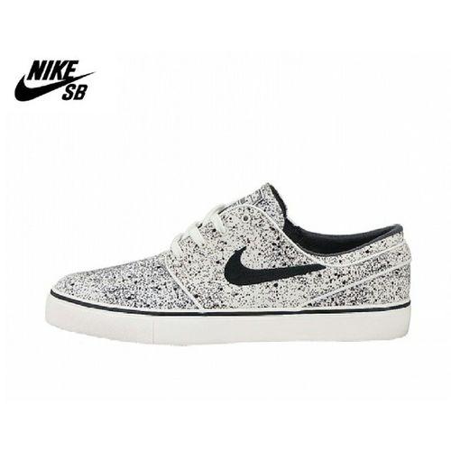 Must have!! Nikezoom Nike Nike Zoom stefanjanoskinikestefanjanovskioutletshoeslikenewcoollikeabossnikesbsbfollowlikeusaczechboyvscosamsunggalaxys3liberectanvaldprahaprague