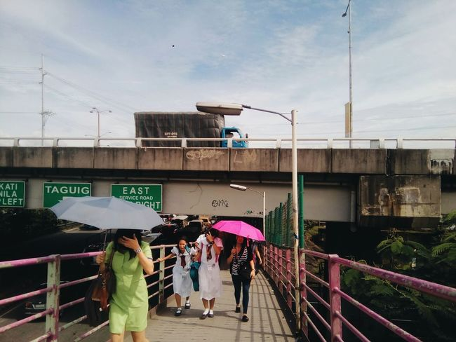 Streetphotography Colors Outdoors Philippines Manila City Day Photography Aesthetics People Streetphotography Student Life Real People Social Issues Vscocam Multi Colored VSCO