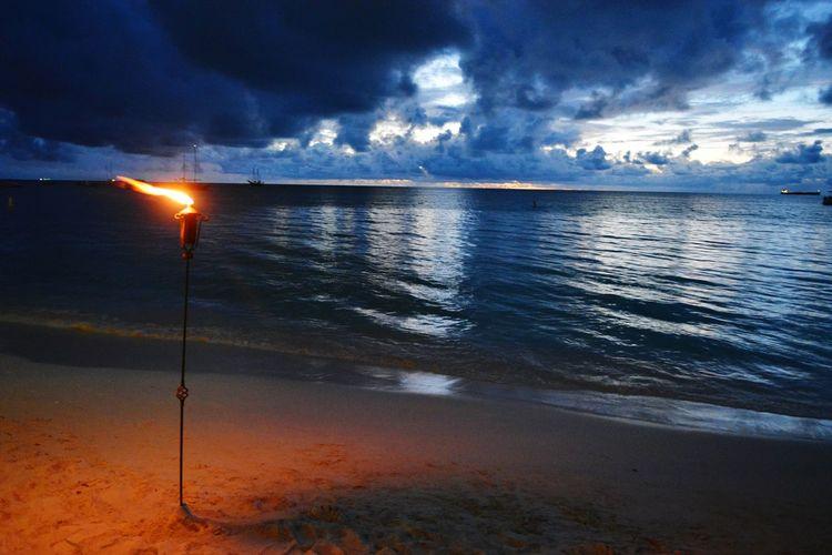 Sea Outdoors Cloud - Sky Beach Water Sky Beauty In Nature Nature Sunset Travel Destinations Aruba The Great Outdoors - 2017 EyeEm Awards