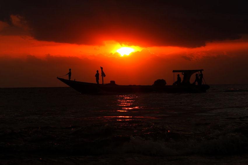 Go home Sunset_collection Sunset Lombok Indonesia Malephotographerofthemonth EyeEm Lombok Photographers Colour Of Life Lombok-Indonesia Lombok Island EyeEm Lombok Island Sunset Silhouettes Cloud_collection  Lombok Gallery Indonesia_photography