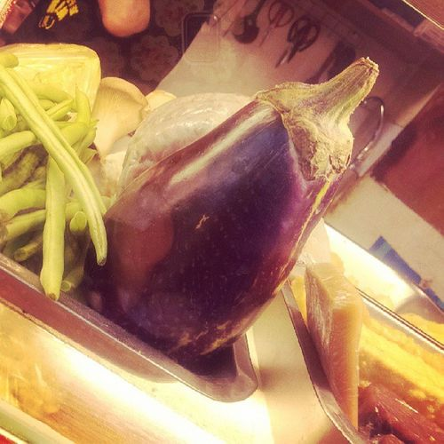 胖茄子。不敢吃 小朋友討厭的蔬菜 啊啊啊 我的關鍵字好搞笑