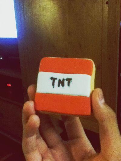 Minecraft TNT biscuit