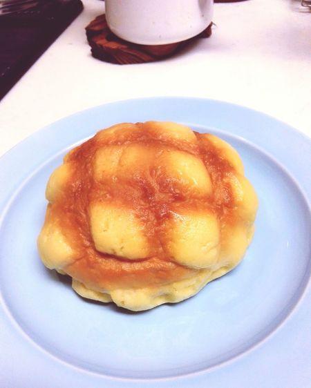 It looks like a fake food, isn't it? メロンパン 菓子パン Gourmet Dessert Close-up Sweet Food