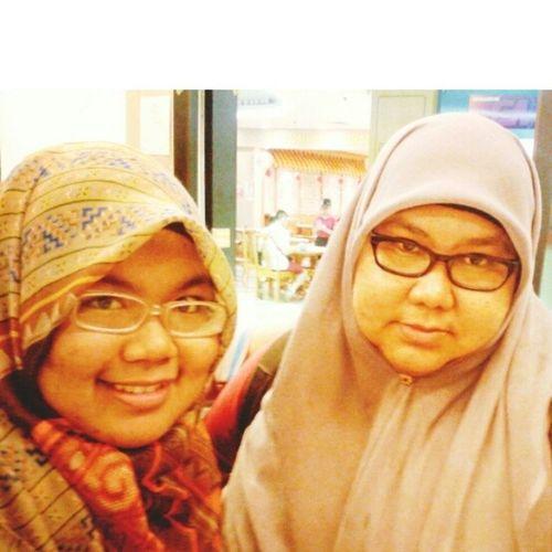 Selfie japp Me and my Gurdian Angel, Ibu... ^_^ T___T ok bye holiday... Hello UitmPerak Mother Daughter Love xoxo