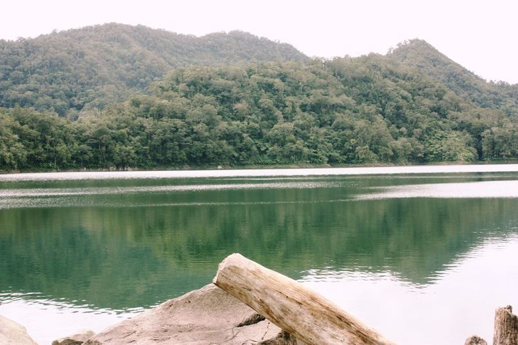 Lake :) Countryside Distant Exploring Forest Horizontal Symmetry Lake Lakeshore Outdoors Reflection Remote River Scenics Standing Water Stream Symmetry Tranquil Scene Tree Vacation Water Waterfront