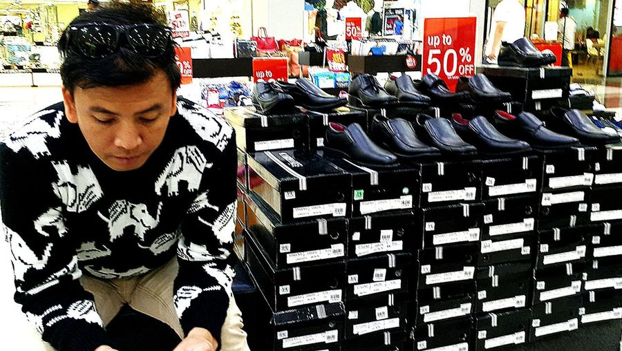 he belongs Break The Mold EyeEmNewHere BYOPaper! Live For The Story Black & White Pattern Shoeshopping Robinsons Las Piñas It's More Fun In The Philippines!