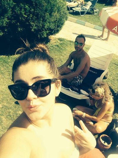 Mahico Poolparty Selfie✌ Relaxing