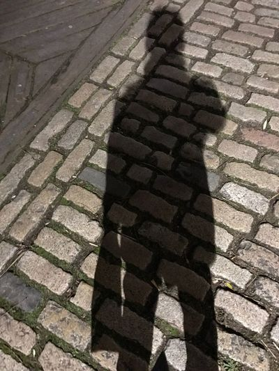 Brick Man Shadow Man Shadow One Person Outdoors Искусство от Лазиза San'ati Laziz Art By Laziz London Photography Nightphotography Night Тень человека Me Street тень Soya