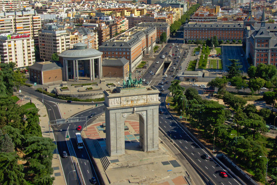 Vitory arch or Arco de la Victoria, with bronze quadriga state on top, built by thearchitects Modesto Lopez Otero and Pascual Bravo Sanfeliu Madrid SPAIN Aerial View Architecture Building Exterior Built Structure City Cityscape Day High Angle View Monument No People Outdoors Sky Travel Destinations Tree Victory Arch