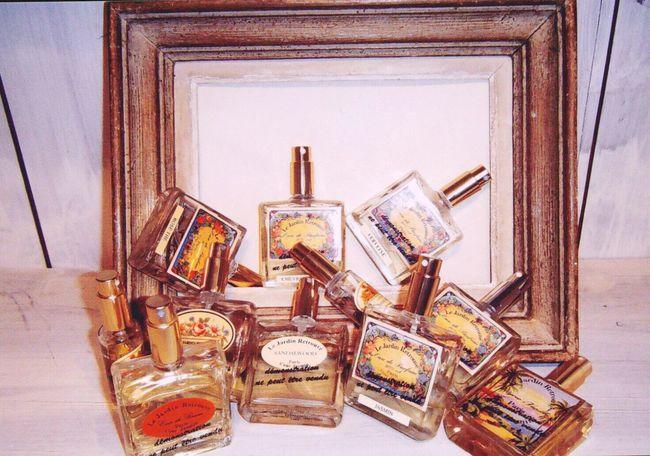 香水 Indoors  Collection Room Hobby Beauty Fragrance