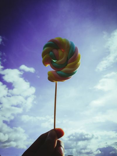 Candy Mashmallow Human Hand Human Body Part Personal Perspective Holding One Person Human Finger People Unrecognizable Person Balloon Real People Cloud - Sky Close-up Sweet Food Sky Multi Colored Adult Outdoors Day One Man Only The Week On EyeEm
