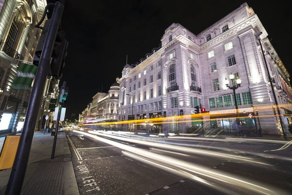 Playing with the lights.. Night Illuminated Travel Destinations Light Trail Photograph Waphaphotographer Phototraveller Canon 6D Viaggiare Globetrotter Travel Photography Wanderlust EyeEmNewHere Liveforadventure Canon Travel Streetphotography London Outdoors Eyemphotography Livefortravel Lonelyplanet City Cityscape