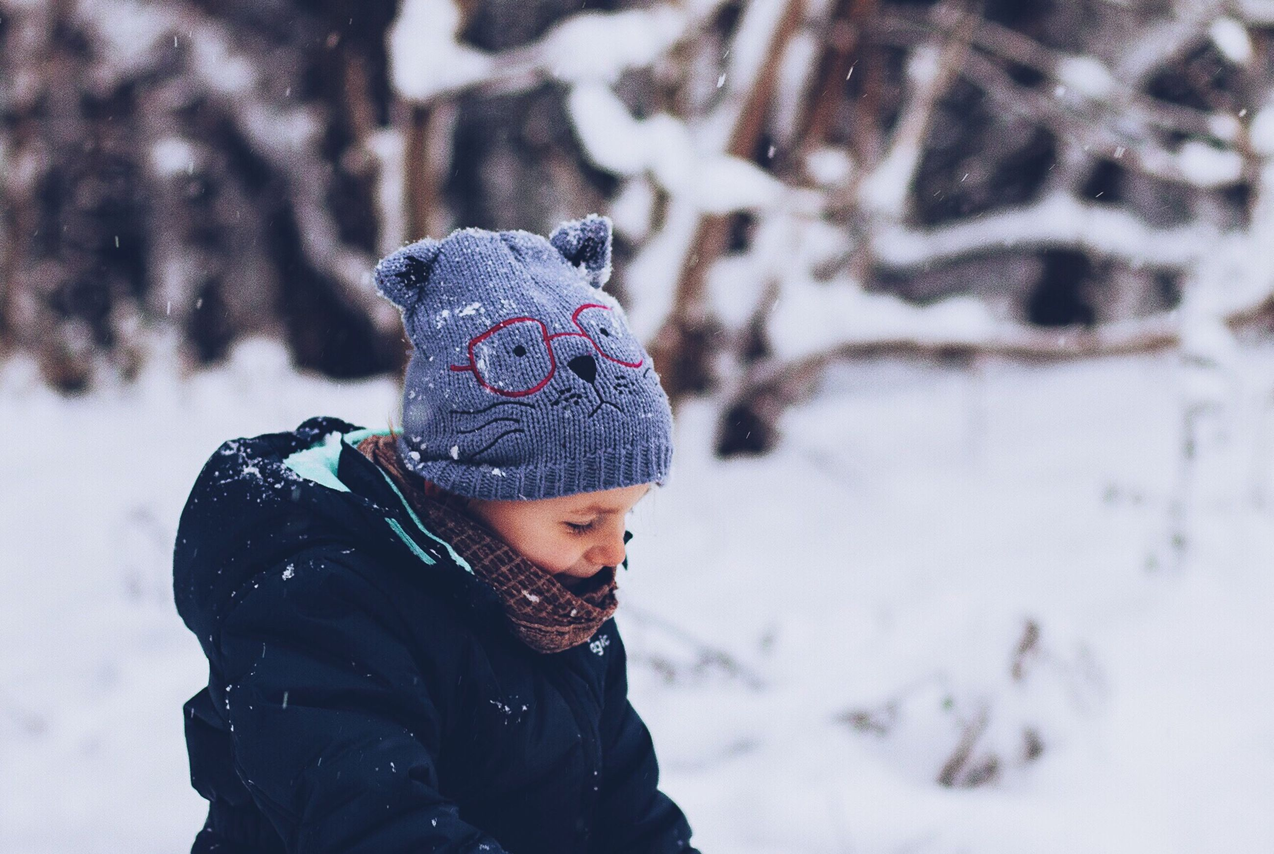winter, snow, cold temperature, season, weather, warm clothing, covering, lifestyles, leisure activity, frozen, knit hat, focus on foreground, nature, childhood, covered, day, hood - clothing, hooded shirt