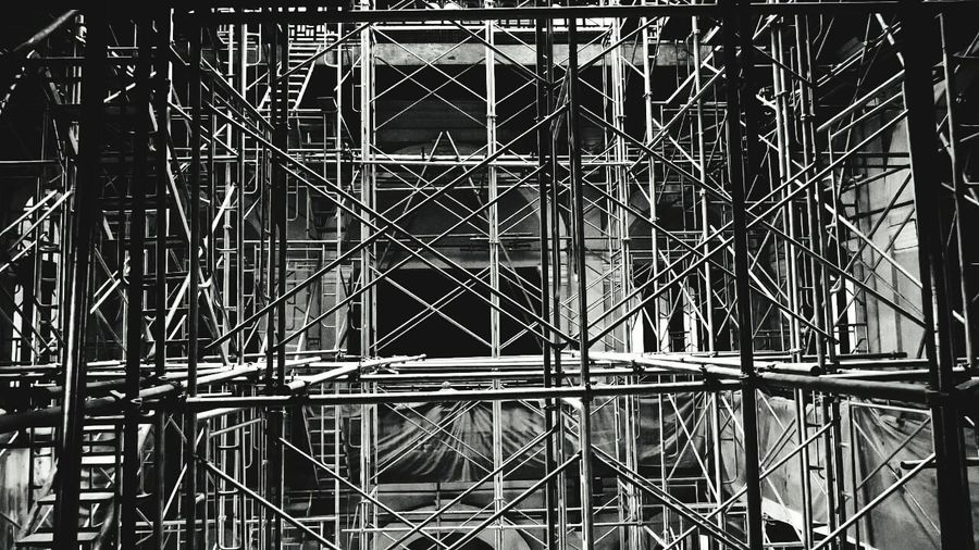 Blackandwhite Black And White Architecture_collection Architectural Feature Indoor Photography Indoors  Blackandwhite Black & White ASIA Jorney Cage Labyrint Nightmare Backgrounds Metal Complexity Architecture Built Structure No People Construction Frame Full Frame Architectural Detail Scaffolding Construction Building - Activity The Architect - 2018 EyeEm Awards EyeEmNewHere