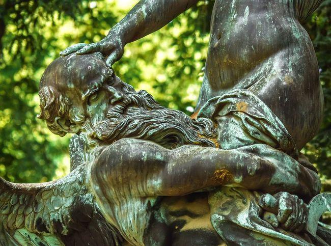 Paris Jardinduluxembourg Luxembourggarden Art Sculpture Homme Man Verdatre Verdaitre Aile Wing Bronze Bronzematter Oeuvre Work Aimejulesdalou Eugenedelacroix Monument Close-up Statue Sculpted
