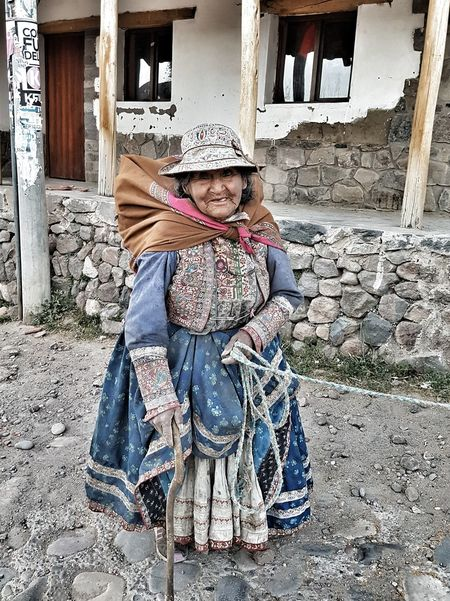 Women Around The World A Quecha woman indigenous to Peru, that continous to farm to make a living Full Length Outdoors Adult One Person One Woman Only People Peru Quechua Life Hardworker